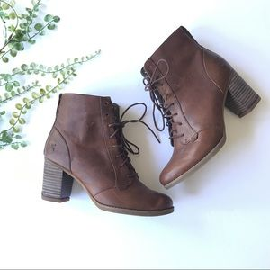 Timberland boots heeled brown lace up anti fatigue